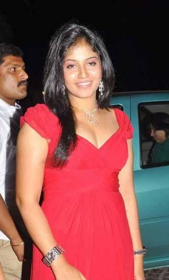 Actress Anjali Hot Cleavage Show Images Photos gallery pictures