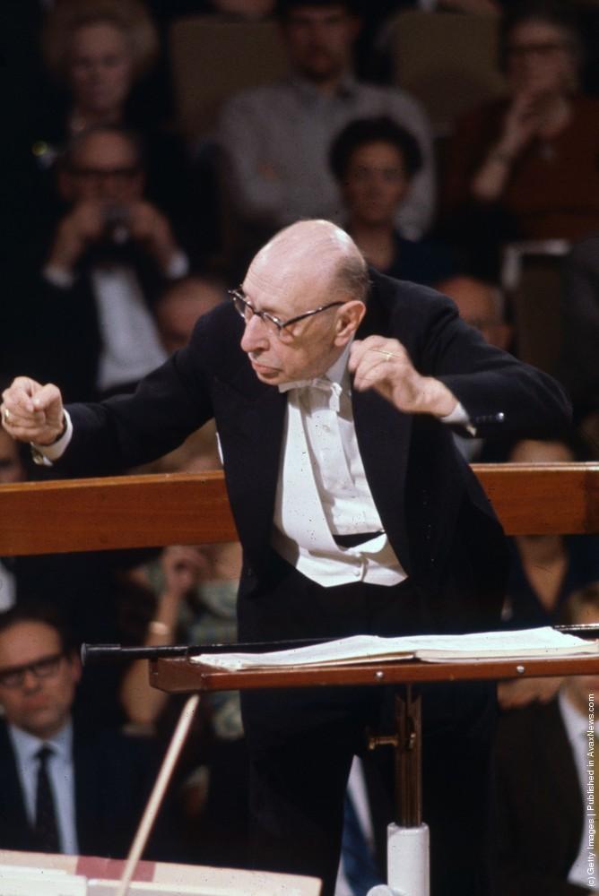 Igor Stravinsky - Threni - Id Est Lamentationes Jeremiae Prophetae (1957-58)