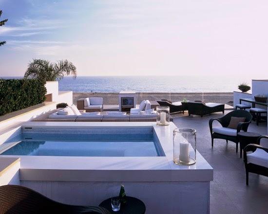 Hogares frescos 18 dise os de peque as pero hermosas piscinas for Fotos de patios con piletas