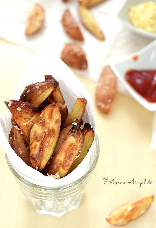 Oven-Baked Crispy Potato Wedges