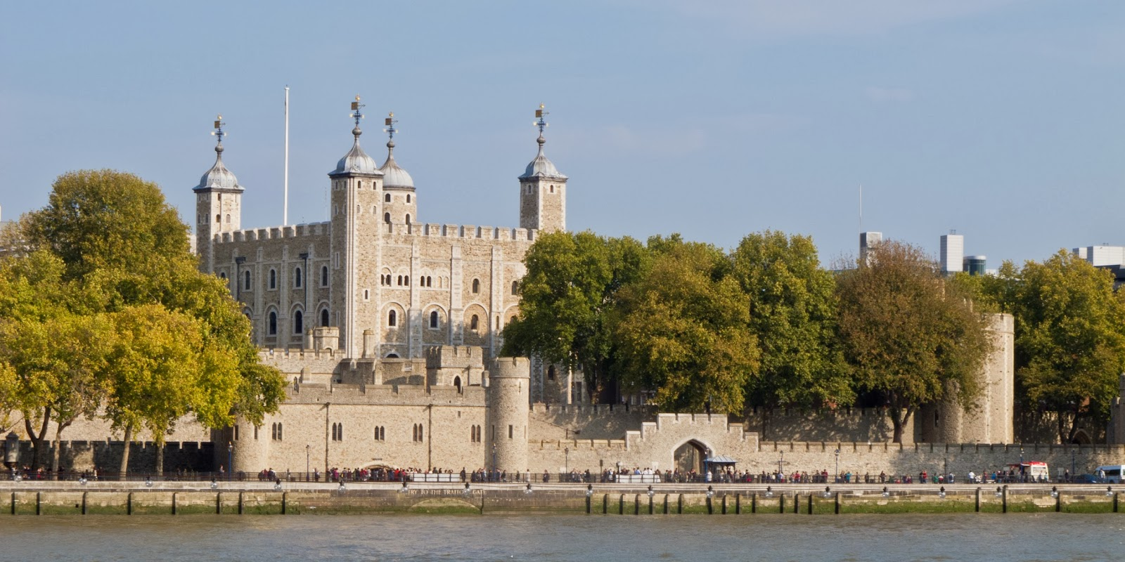 Tower of london tourist destinations for Building londre