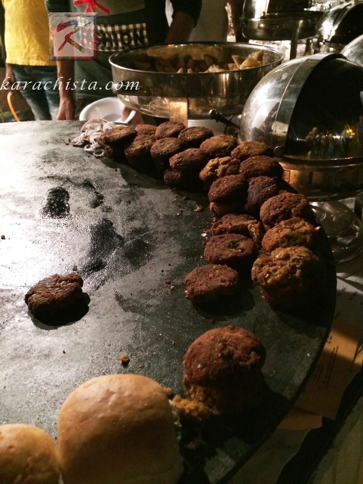 Bun Kebab - Karachi Street Food