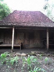 rumah limasan antik