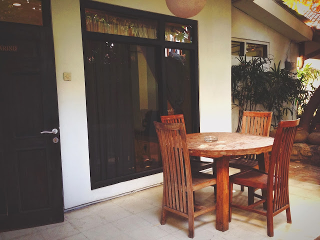 Tigalima Homestay - Porch of Tamarind Room