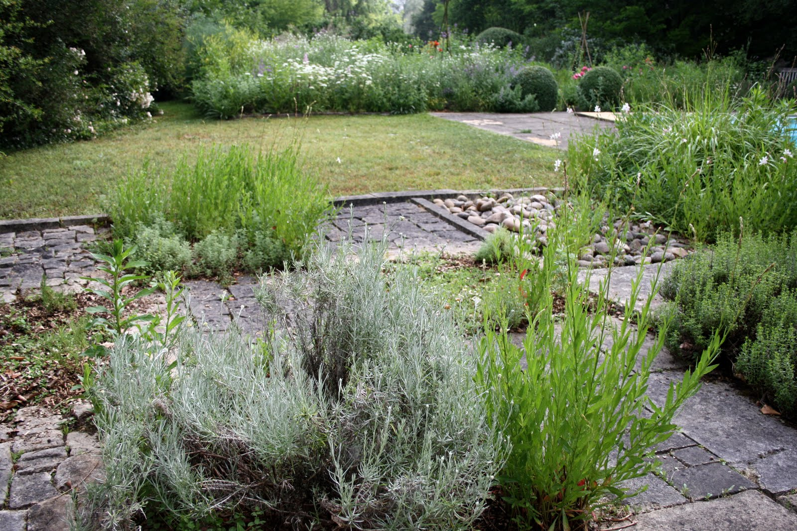 El jard n de margarita otros jardines les jardins de l for El jardin de l abadessa