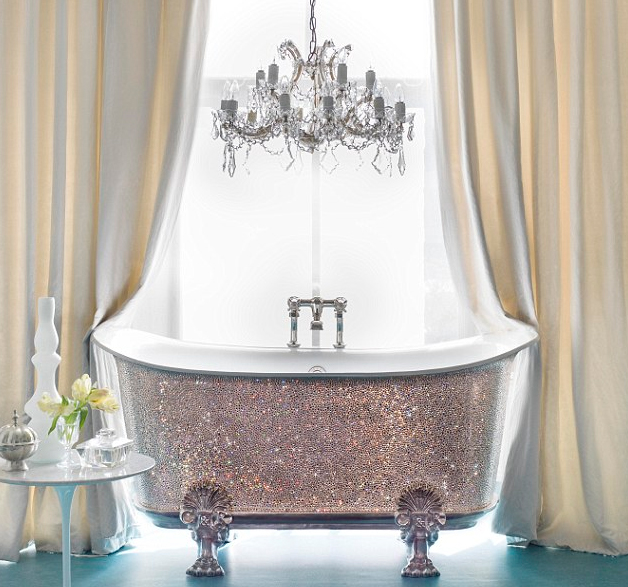 Bling bathroom 22 000 swarovski crystal bathtub goes on for Bling bathroom set