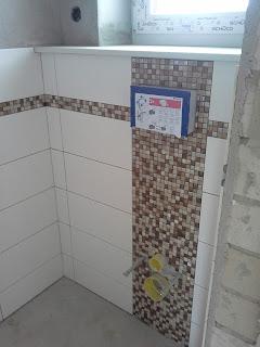unser schultehaus in tespe die ersten fliesen im g ste wc. Black Bedroom Furniture Sets. Home Design Ideas