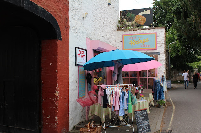 Vintage shop & tea room, Wells, Somerset // 76sunflowers
