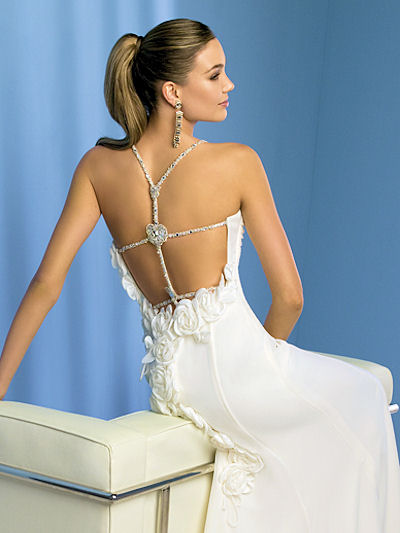 Beach Wedding on Backless Wedding Dresses   Bridal Wears