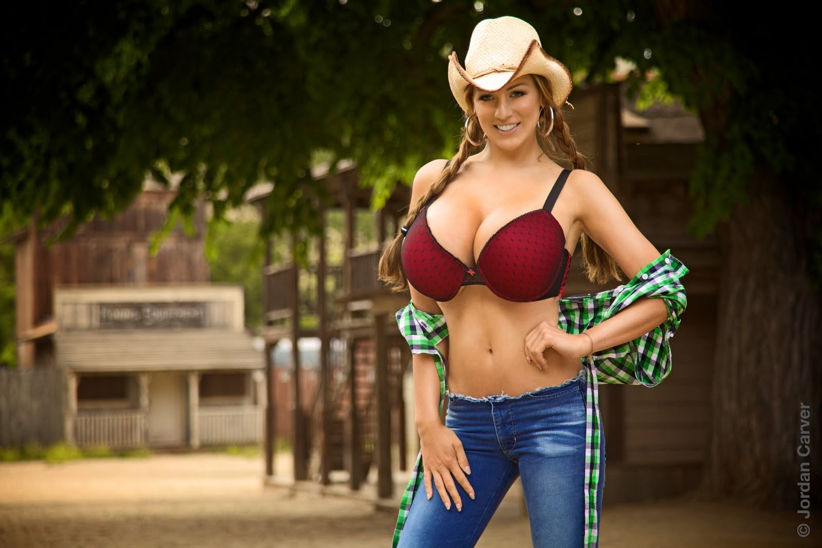 cowgirls-shooting-topless