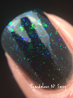Darling Diva Polish XenoMorph Hug My Face Collection (Alien inspired) macro