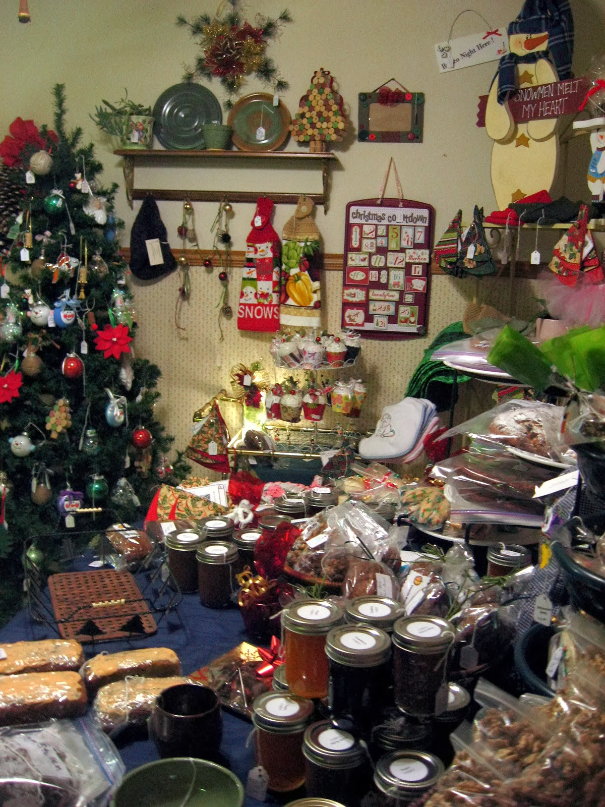 I 39 m a yarner 34th annual plumgrove holiday boutique for Holiday boutique