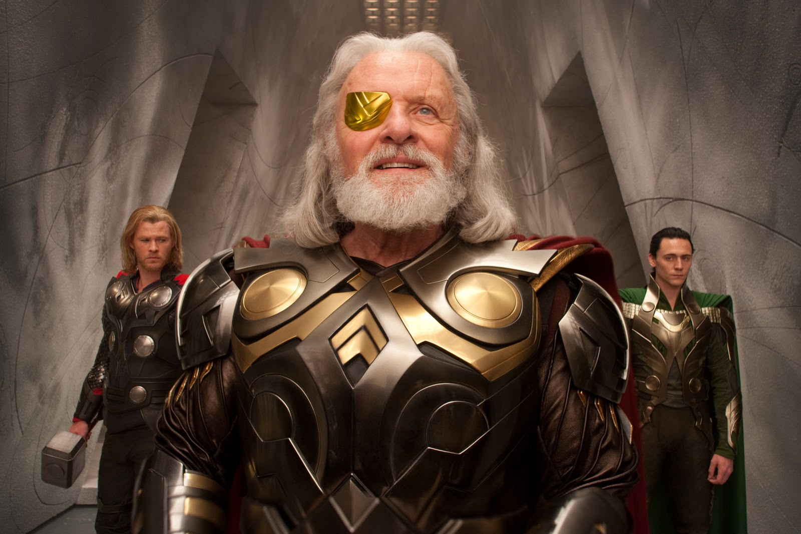 http://2.bp.blogspot.com/-yd8NRrVEbB0/TbXKfP_gtsI/AAAAAAAABP0/-JTqjV2nUhg/s1600/Thor_Movie_Image_Thor_Odin_Loki.jpg