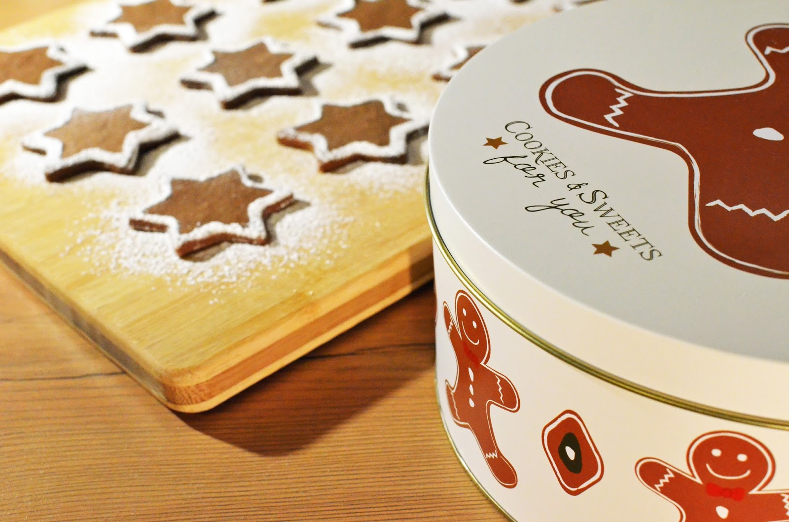 Mince Pies & Cookie Tin - Easier Cooking This Christmas - motherdistracted.co.uk