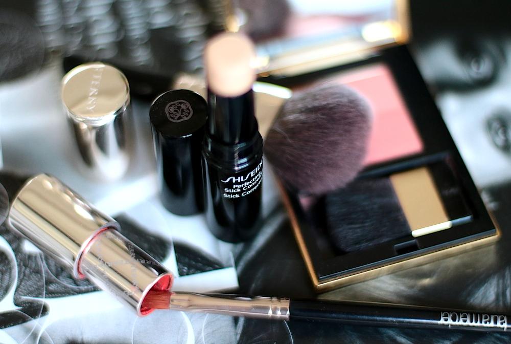 comment retoucher maquillage en fin de journée en 5 minutes shiseido stick corrector tuto avis test