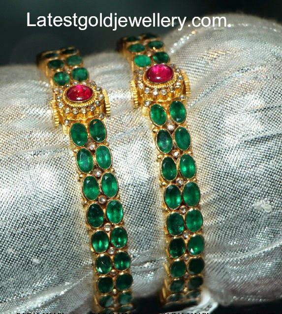 latest emerald bangles