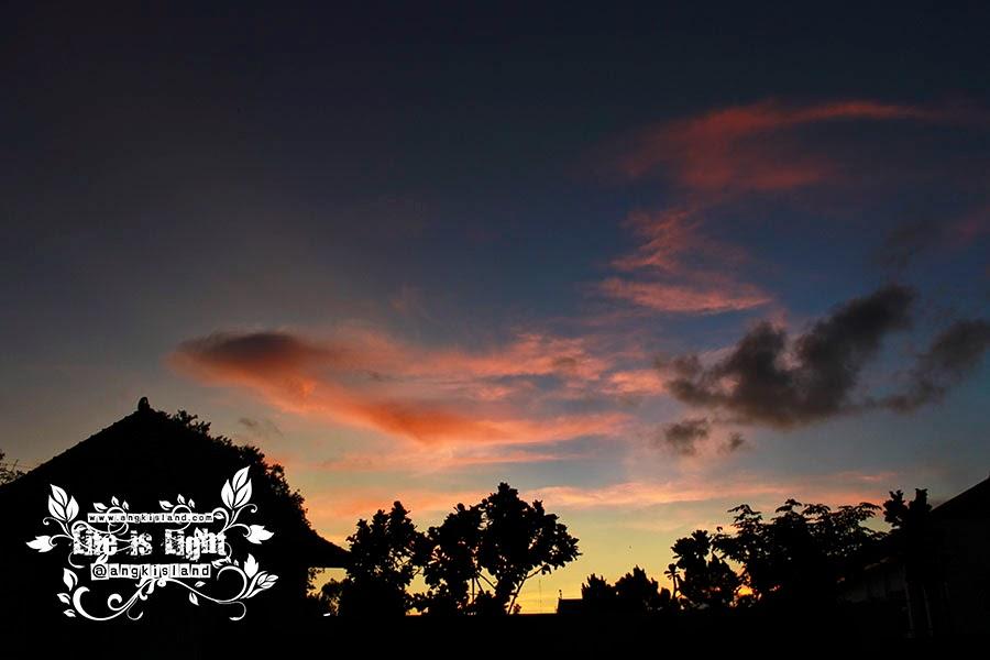 sunset tamansari