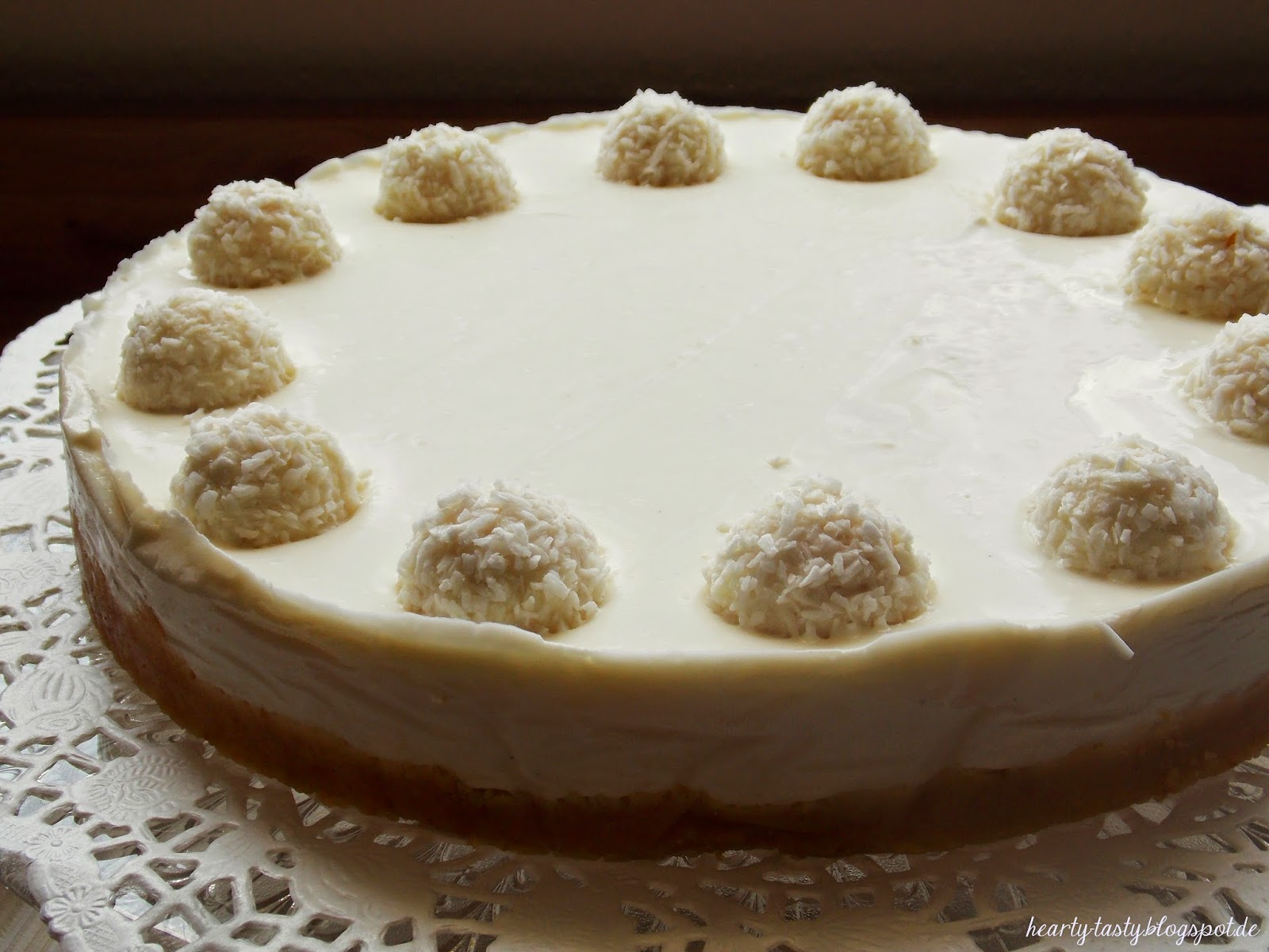 hearty and tasty rezept mascarpone raffaello torte. Black Bedroom Furniture Sets. Home Design Ideas