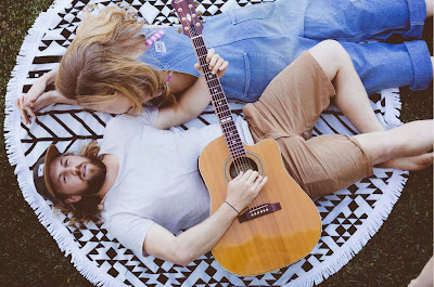 the roundie towel, guitar, hipsters