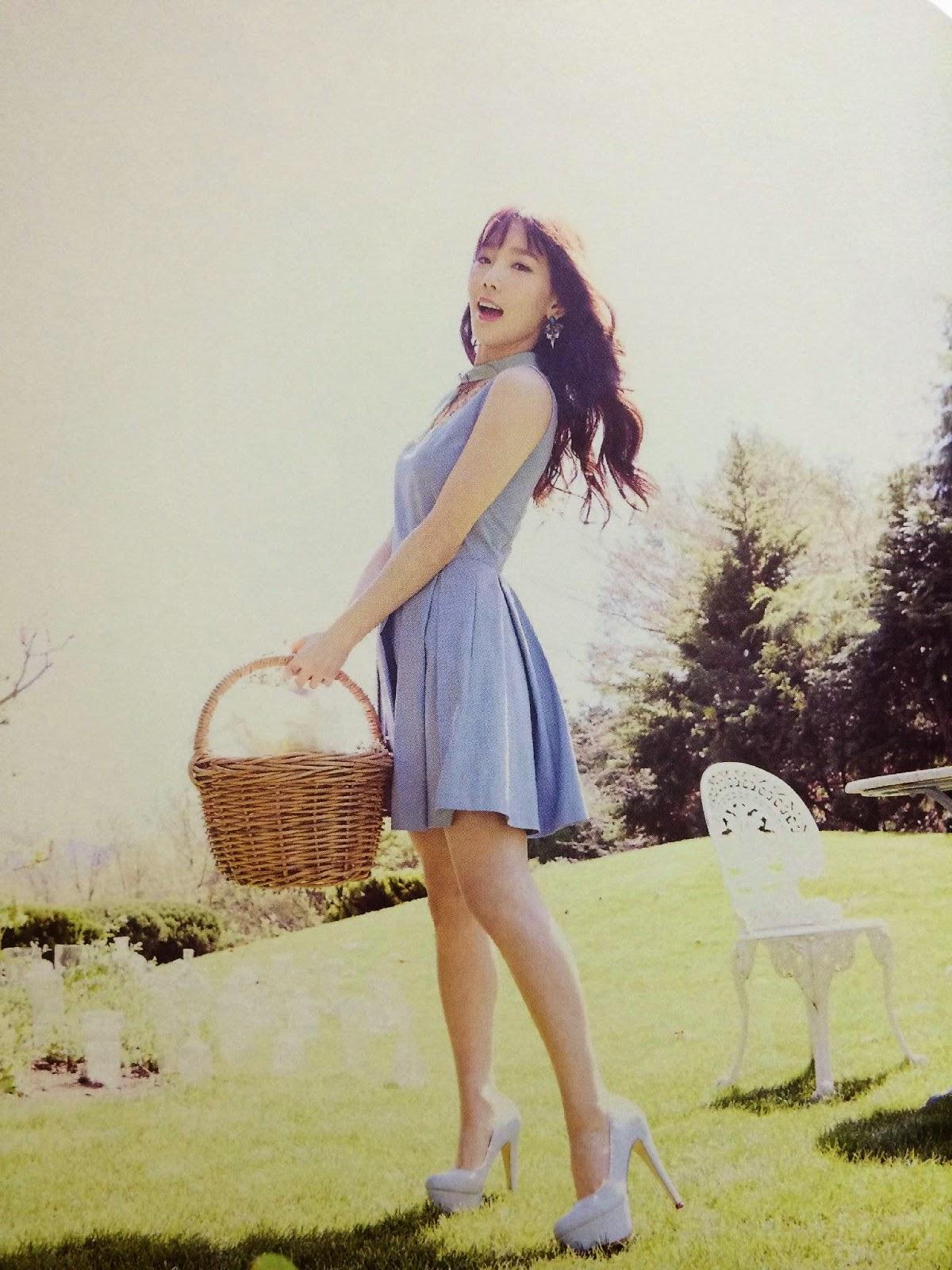 SNSD Taeyeon (태연; テヨン) Girls Generation The Best Scan Photos 4