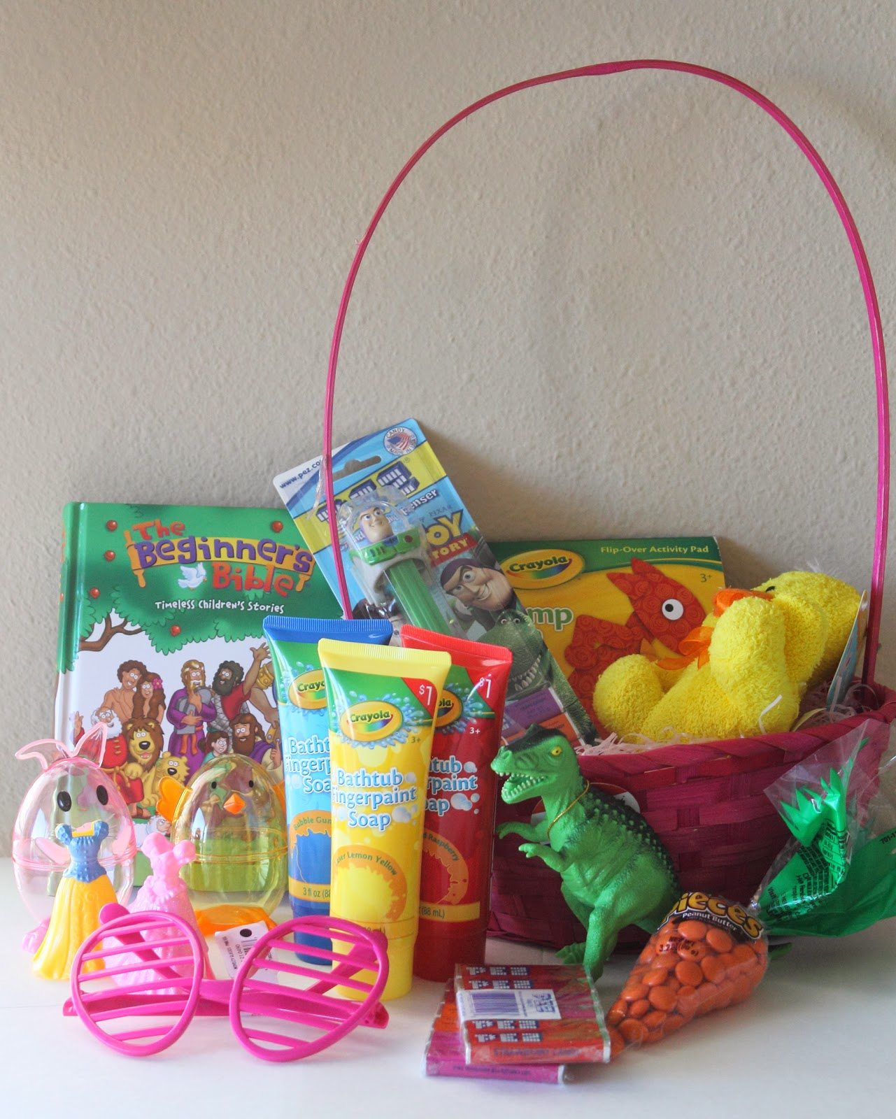 Make it cozee easter round up you can check out the baskets i have put together in the past by clicking on the pictures below last years basket was probably my favorite negle Gallery