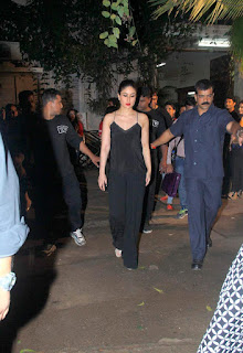 Kareena Kapoor Khan in black wearing a deep neck Top and Trousers Spicy Stills