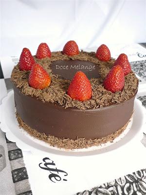 Atelier Doce Melange: Torta Ganache de Chocolate com Morango