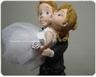 Noivinho  carregando a noiva