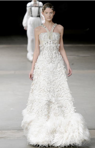 kate middleton hats 2009 kate middleton wedding dress alexander mcqueen. Kate Middleton#39;s 5 Wedding Dress Designer Choices: Sophie Cranston,Jasper Conrad, Marchesa, Bruce Oldfield and Sarah Burton for Alexander McQueen
