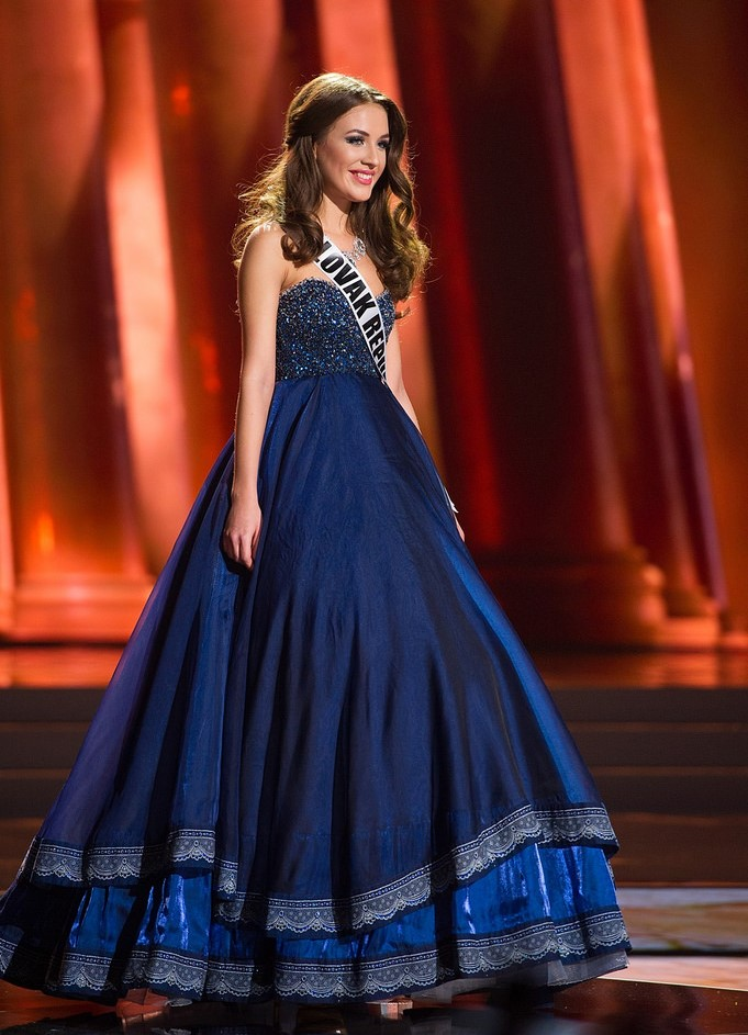 SASHES AND TIARAS.....My 10 LEAST FAVORITE Gowns of Miss Universe ...