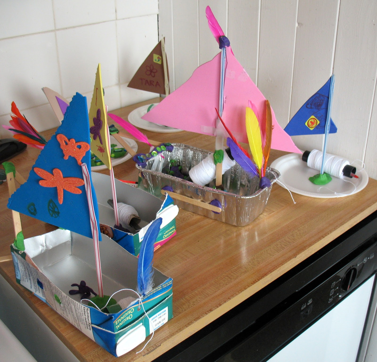 Как сделать кораблик для ребенка