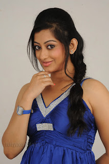 Cute Cheste Movie heroine Tanishka Pictures 004