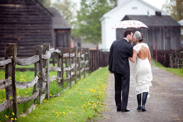photo orchard cove photography - Parapluie Mariage Pluvieux Mariage Heureux