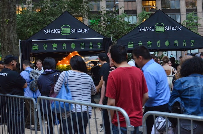 Shake Shack queue New York