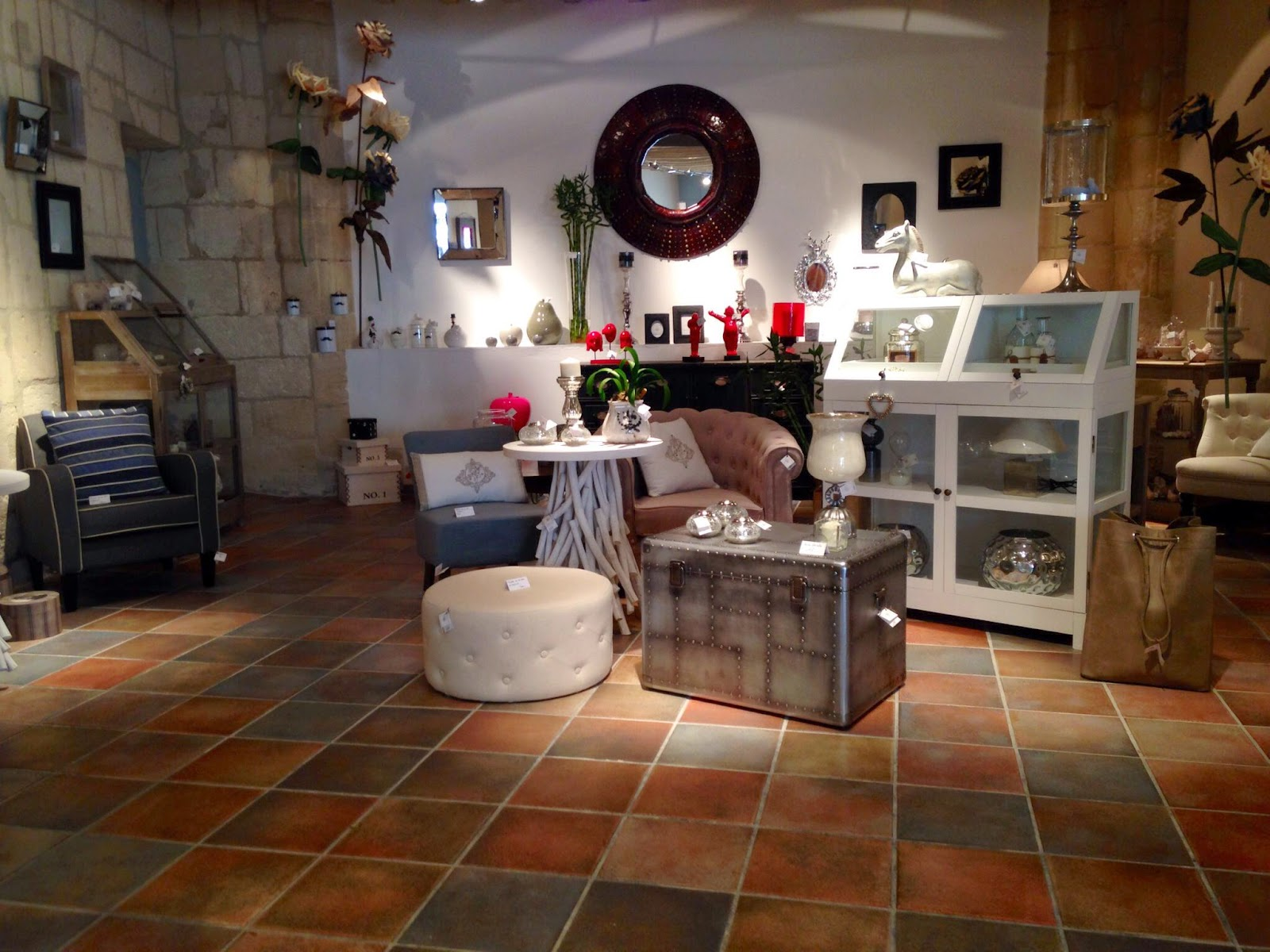 jeunes entreprises du pays d 39 arles commerces. Black Bedroom Furniture Sets. Home Design Ideas