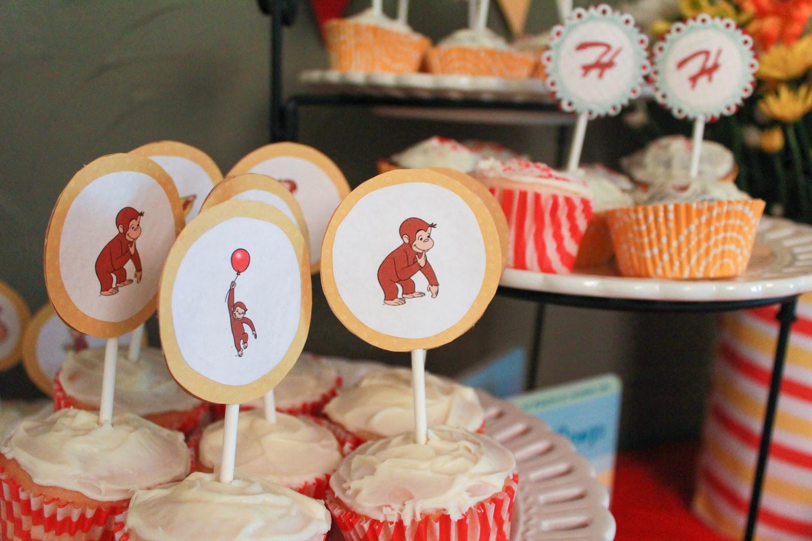 http://2.bp.blogspot.com/-yg4f4cvLbLc/UUoTQ-NrxqI/AAAAAAAAAS8/ZrsQSFlREH0/s1600/1st+birthday+party-8.jpg