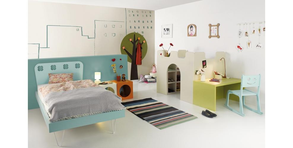 Cama alta infantil con estanterias debajo - Dormitorios infantiles madrid ...