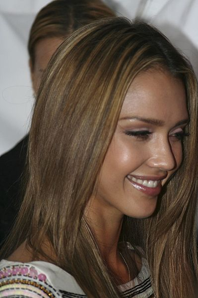 jessica alba hairstyless. Jessica Alba#39;s hair color