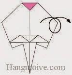 Bước 10: Lật ngược măt tờ giấy ra đằng sau để hoàn thành cách xếp cánh hoa bằng giấy origami. Bước tiếp theo ta gấp cành hoa.