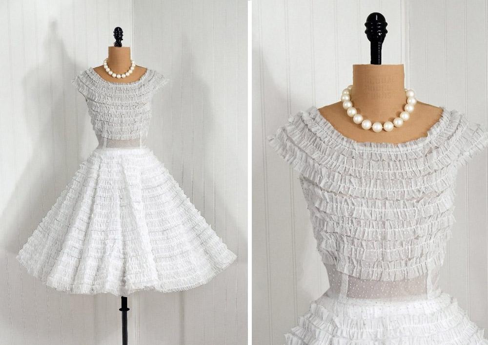 Animal head vintage vintage wedding dresses for Short vintage wedding dress