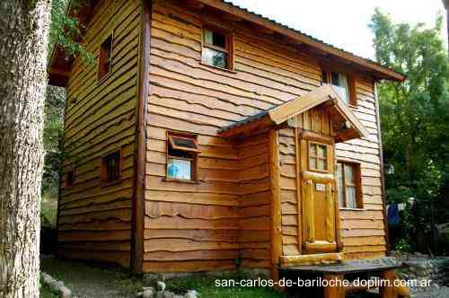 Arquitectura de casas bungalows en bariloche for Cabanas madera baratas