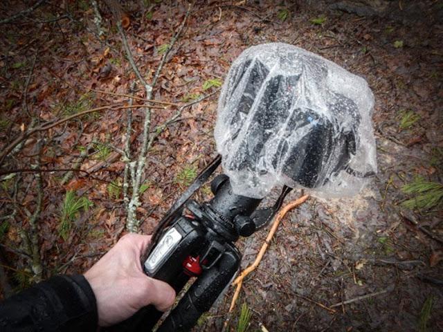 حماية معدات التصوير من الماء