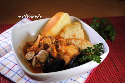 caciucco - zuppa di pesce ricetta tradizionale della cucina povera