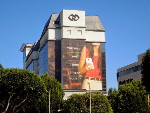 Giant Samsung S5 smartphone billboard