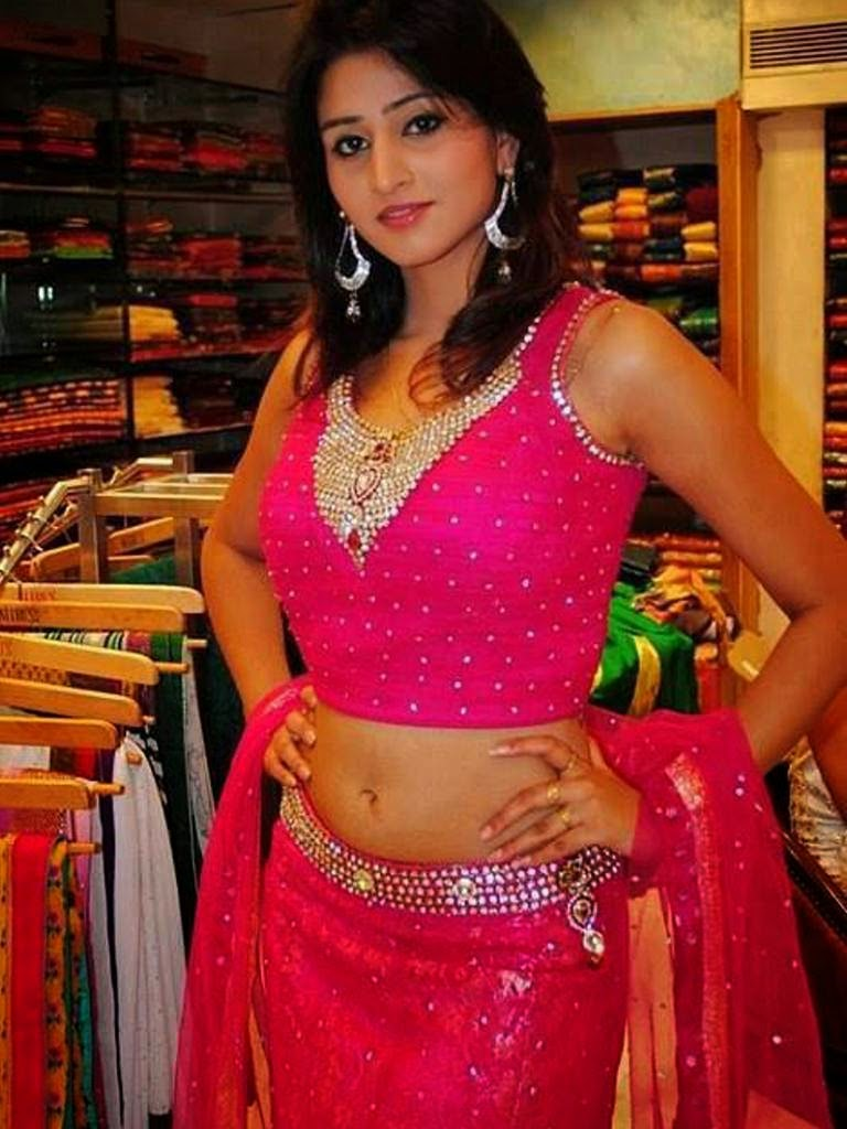 Tamil+Aunty+In+Blouse+Wallpapers004