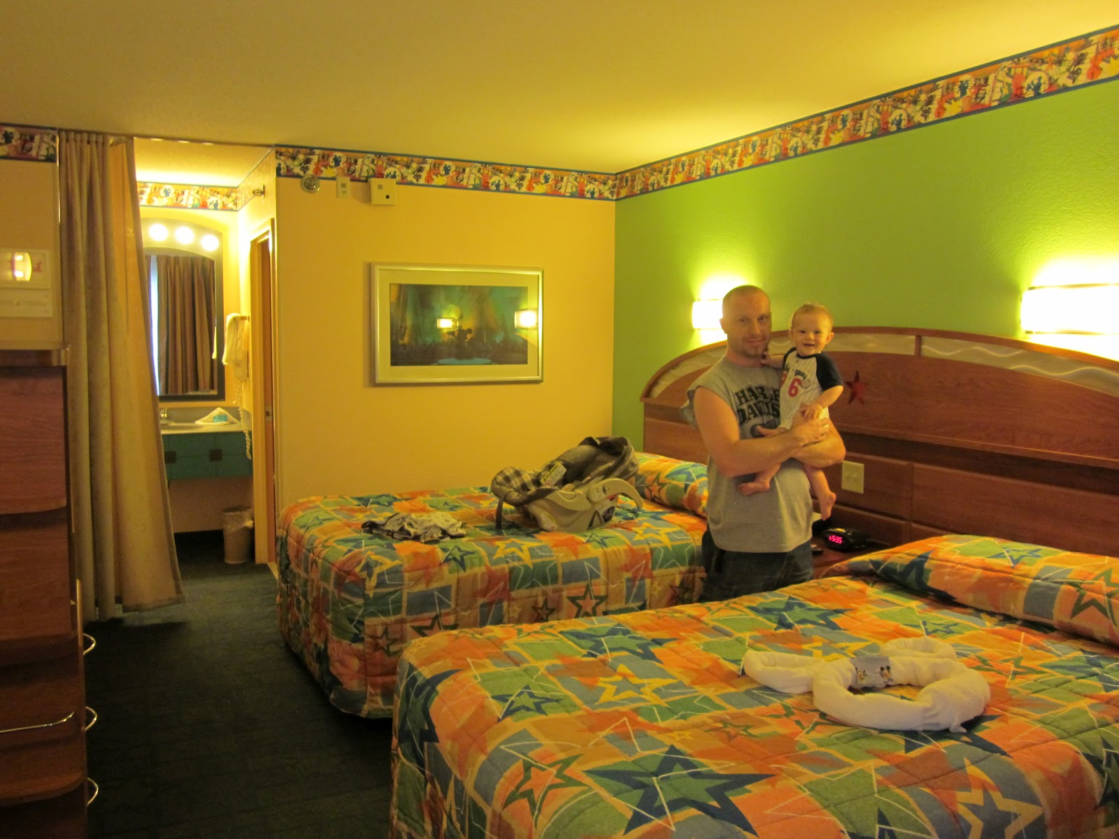 Family room with tv - Disney S All Star Music Resort Review Tips From The