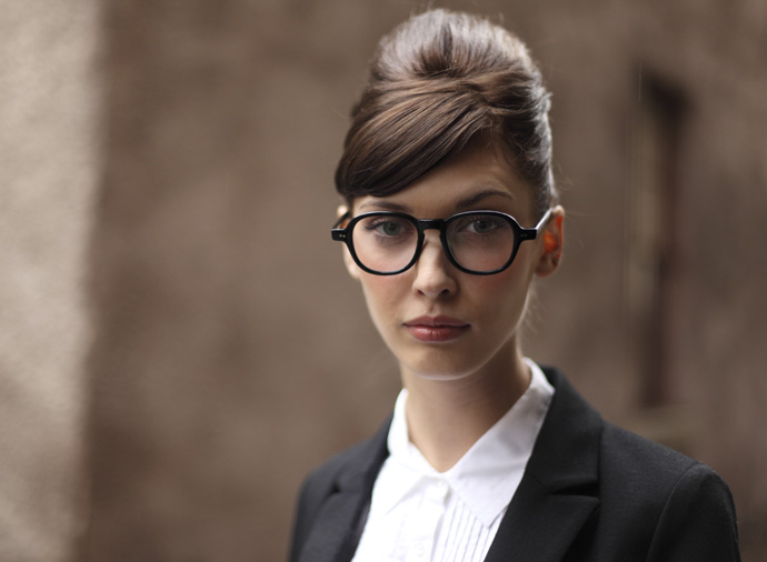 Oliver Goldsmith glasses: Robyn