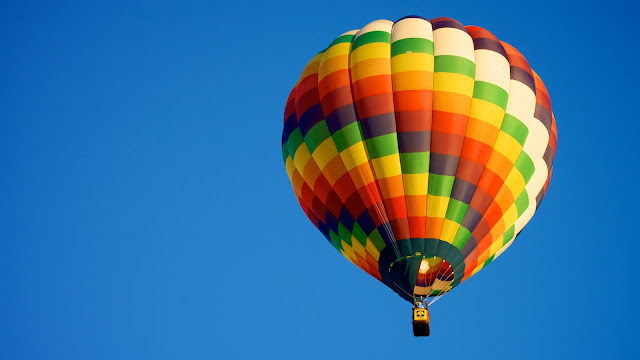 Hot air balloon blue sky sports HD Wallpaper