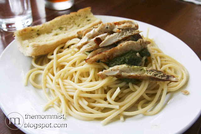 Pesto on pasta with chicken at Volante