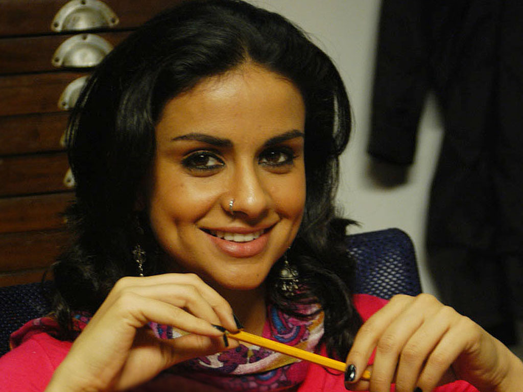 Photos Hot Pictures Sexy Wallpapers: Gul Panag Gallery